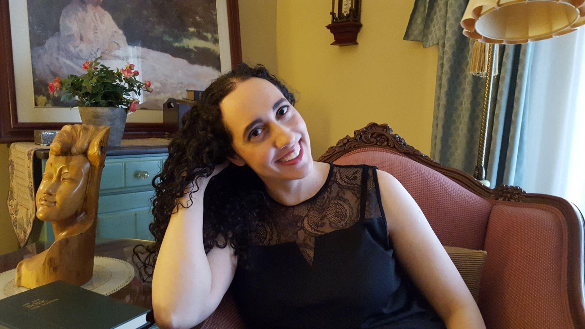 Author Anela Deen